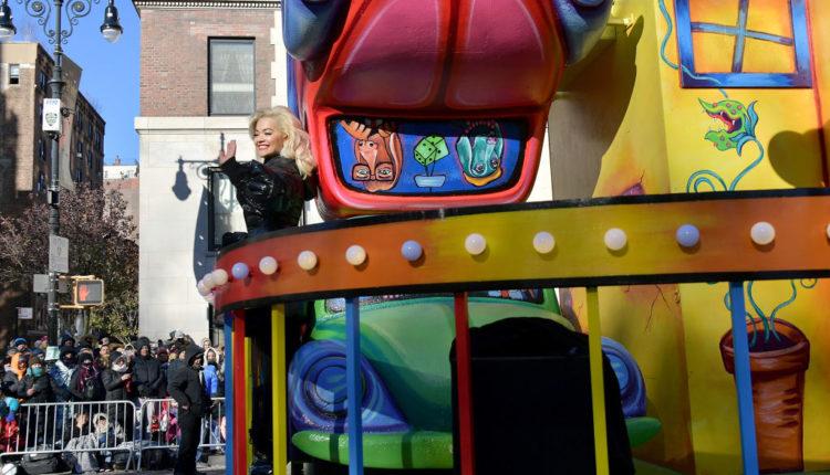 Rita Ora ndёr yjet VIP nё paradёn e New York 1