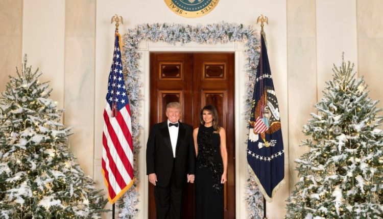 Merry-Christmas-from-President-Donald-J.-Trump-and-First-Lady-Melania-Trump-820×656