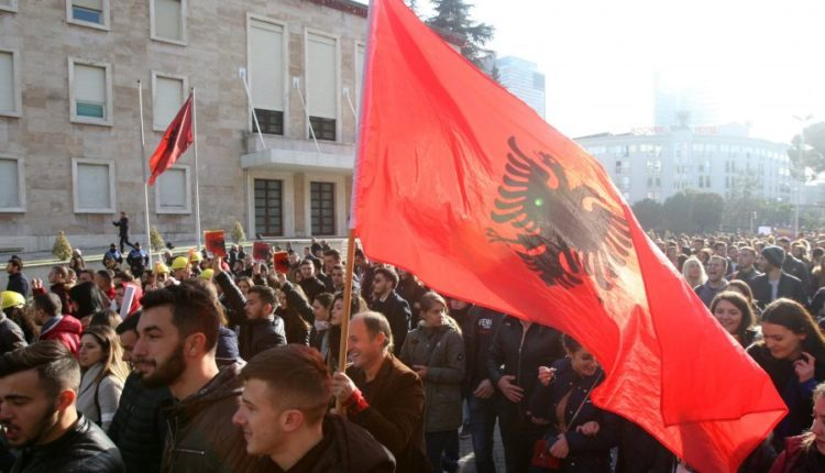Studentet ne protesta ne Shqiperi Foto Reuters