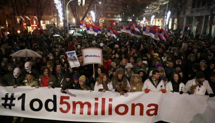 auto_2019-01-05T185252Z_1129971620_RC1B592DE6E0_RTRMADP_3_SERBIA-PROTESTS1546801016