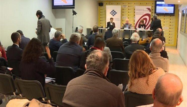 janjiq kesiq dialogu i brendshem per kosoven ne serbi