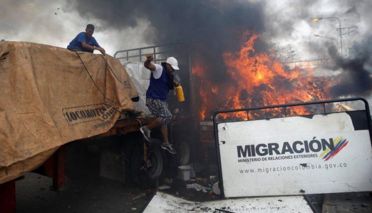 venezuele_ndihmat_digjet_kamioni_-